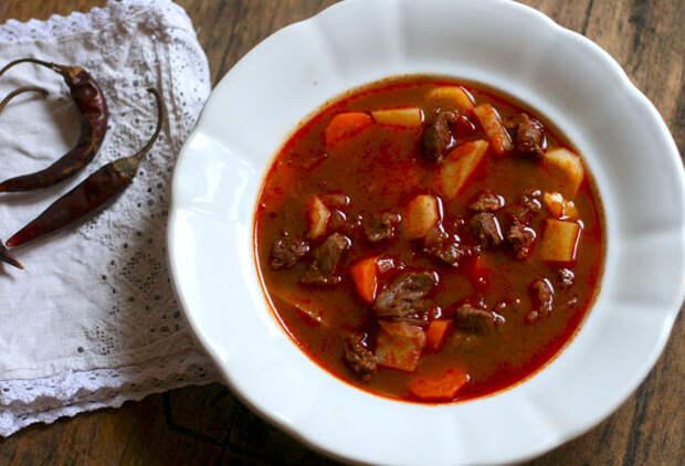 Суп-гуляш: секреты зимнего пастушьего супа