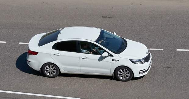 Продажи автомобилей в России упали на 4,2% в январе