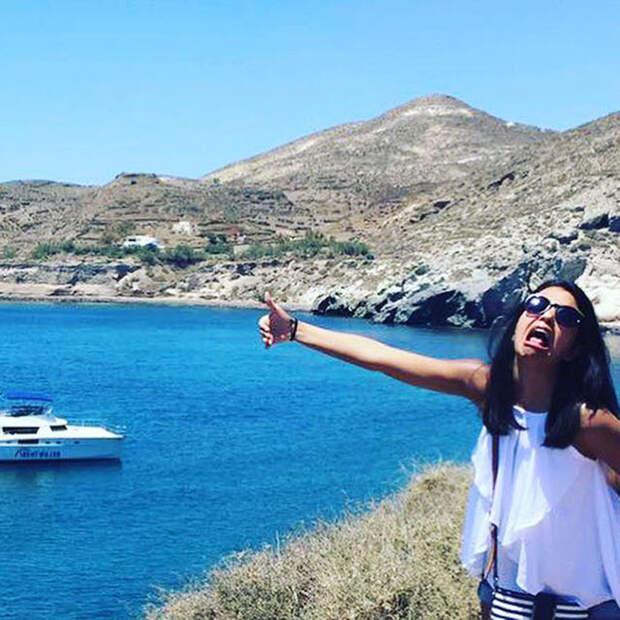 Медовый месяц в одиночестве: После свадьбы невеста отправилась в Грецию, оставив мужа дома