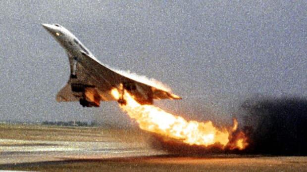Concorde Air France через мгновение после возгорания топлива