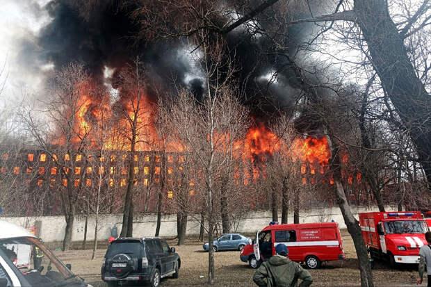 СК возбудил дело по факту пожара на «Невской мануфактуре»