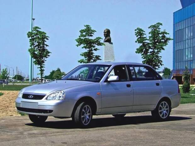Директор по связям с общественностью АВТОВАЗа выбрал Lada вместо Volvo