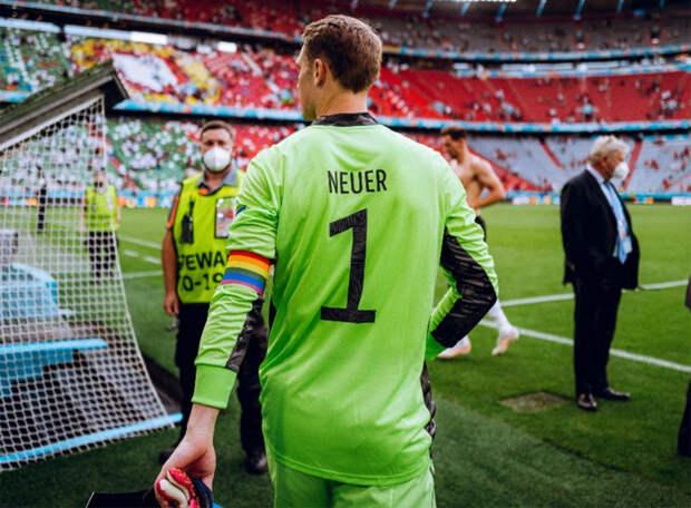 «Ради этих можно – благое дело…» УЕФА не будет наказывать Нойнера за радужную повязку на Евро-2020
