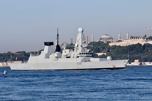 Британский эсминец нарушивший  морскую границу РФ был выдворен бомбометанием