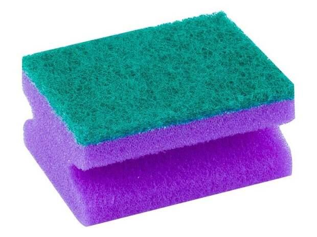 Сухие губки. Хотите поджарить бактерий, поселившихся на вашей губке для мытья посуды? Запросто, но не забудьте её смочить. Если она окажется сухой, губка может загореться внутри устройства.