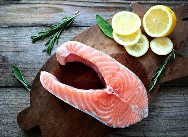 salmon-steak-8-reasons-why-you-should-never-order-salmon