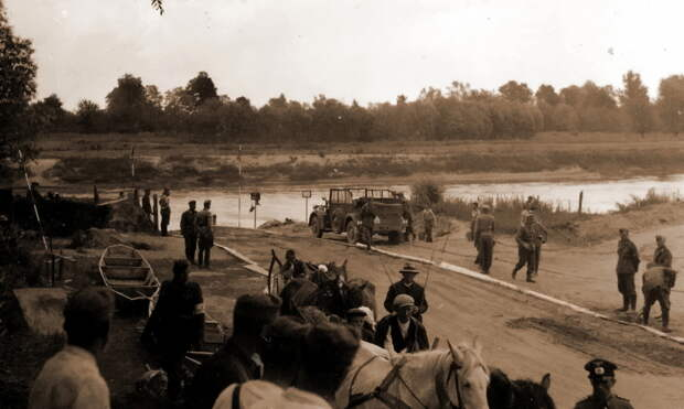 На переправе 257-й пехотной дивизии вермахта через Сан у Ярослава - Нестандартное 22 июня   Warspot.ru