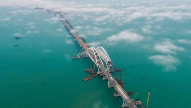 Массовый автопробег на Крымском мосту
