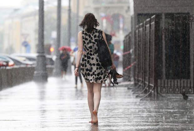 Москву залили дожди, машины поплыли. Фоторепортаж ЗР