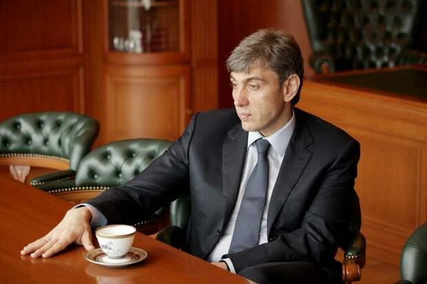 Элитный особняк Галицкого: как выглядит и сколько стоит жилье олигарха?