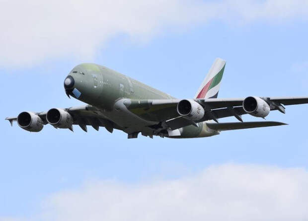Airbus собрал последний серийный лайнер A380