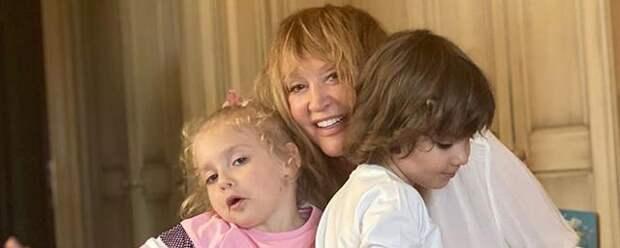 Дети Пугачевой и Галкина трогательно поздравили родителей в свой восьмой день рождения