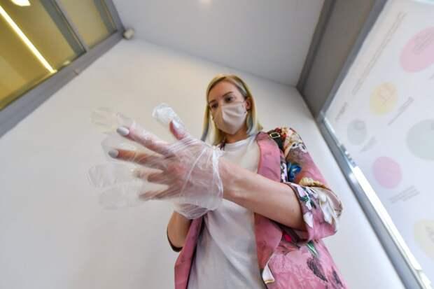 Участники Всемирной недели ношения масок выкладывали в своих аккаунтах собственные фото в маске// АГН «Москва»
