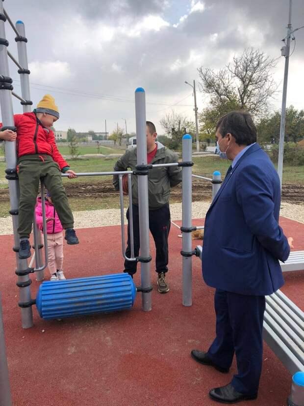 В Красногвардейском районе до конца года установят 12 спортплощадок
