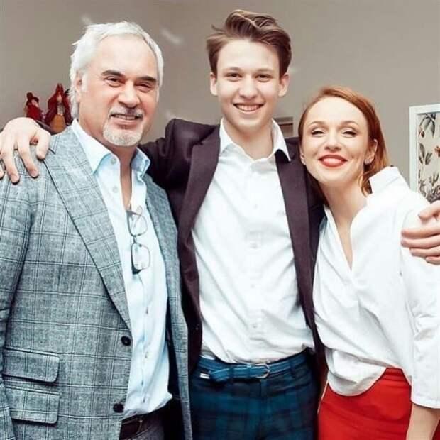 Костя Меладзе-младший и родители