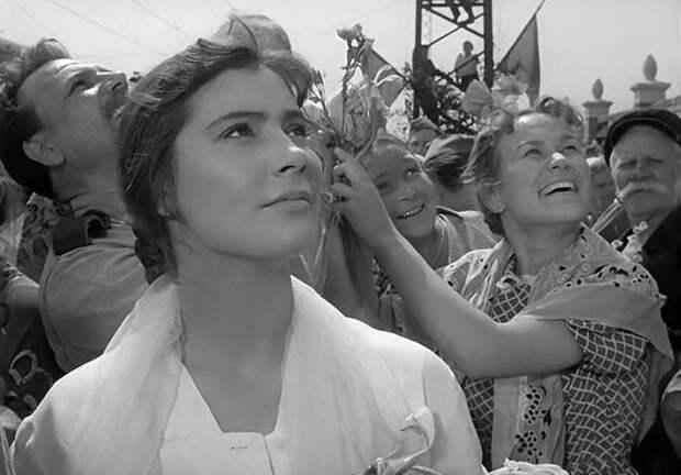 Кадр из фильма «Летят журавли», 1958 год