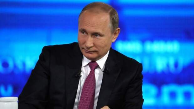Путин на больших экранах!
