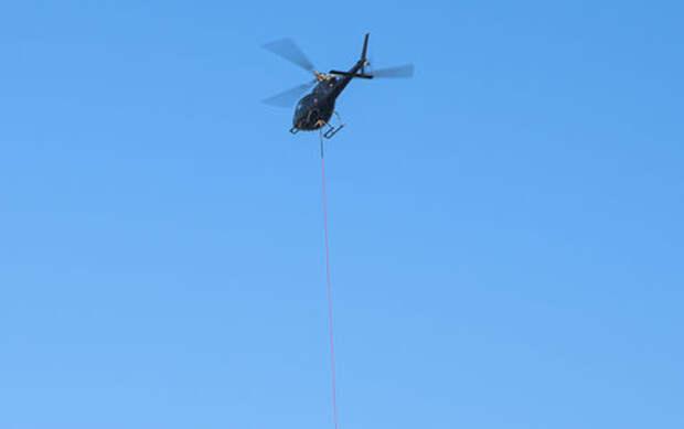 Проспорил: Гелендваген проигравшего сбросили с вертолета