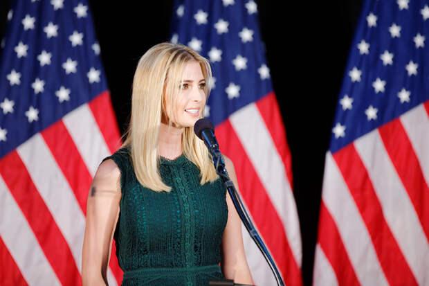 Пользователи Сети назвали Иванку Трамп толстым «дьяволом в платье»