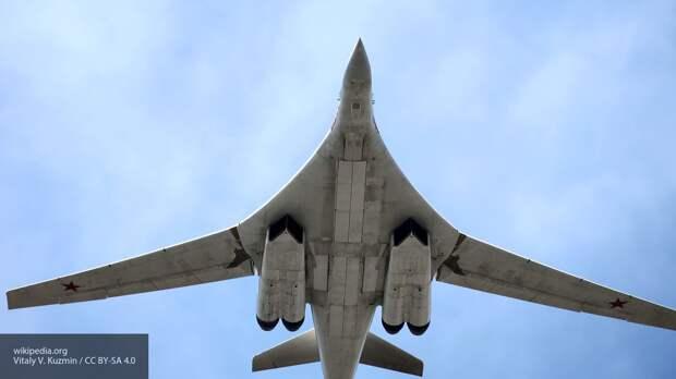 Ту-160 ВКС РФ пролетели у Лондона в ответ на провокации НАТО у Черного моря
