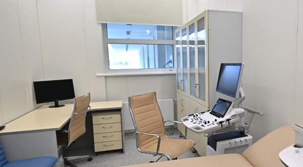 На Вятской завершается возведение детской поликлиники