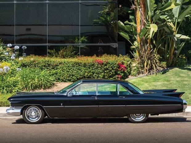 На данном экземпляре ее заменили на обычную. Cadillac Eldorado, cadillac, pininfarina, авто, автомобили, олдтаймер, ретро авто
