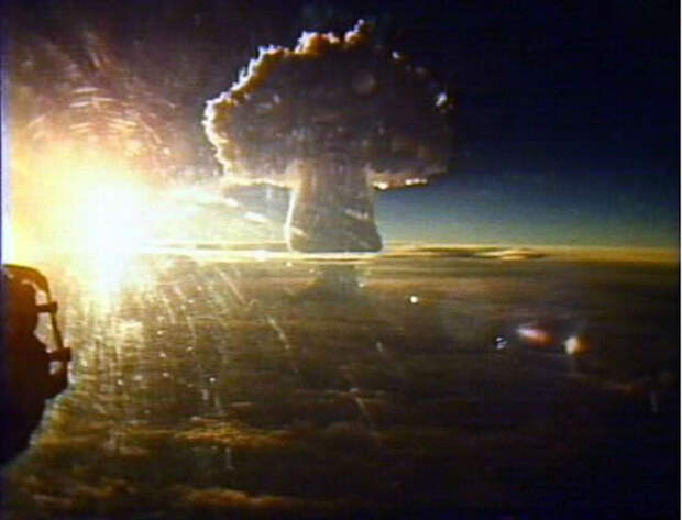 Самые мощные ядерные взрывы, заснятые накамеру