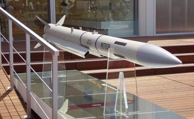 На фото: ракета большой дальности «воздух-воздух» Meteor