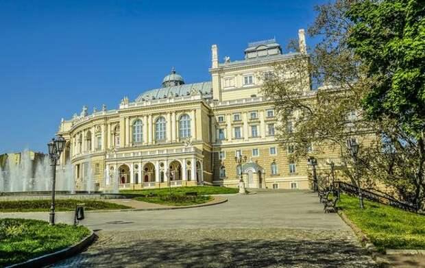 Мэр Одессы ответил языковому омбудсмену на требование исправить русскоязычный гимн города