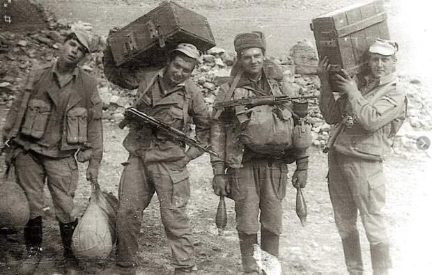 Афганские моджахеды с уважением вспоминают советских солдат.