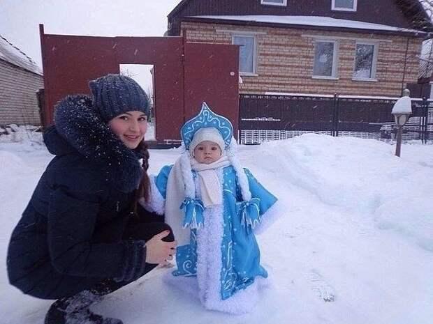 Какие хорошенькие снегурочки!