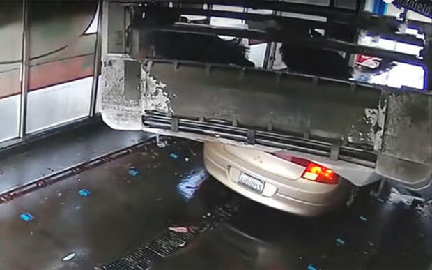 Автомойка не только вымыла, но и «выгладила» автомобиль