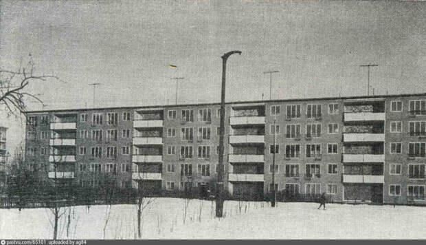 Пластмассовый дом не был экспериментальным, он изначально возводился для заселения москвичей / Фото: pastvu.com