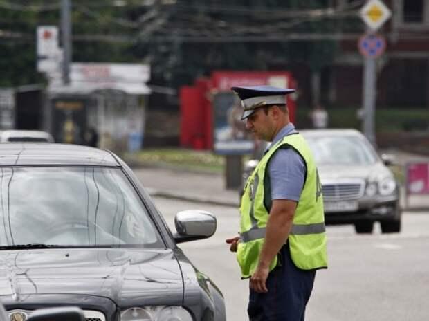 Владельцев авто с иностранными номерами начнут наказывать за нарушение сроков пребывания в РФ