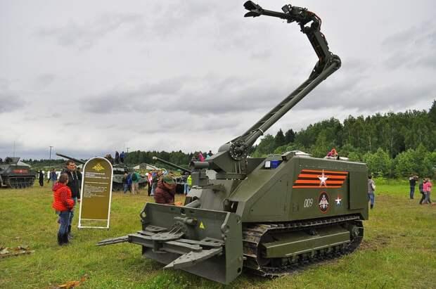 Минобороны РФ закупает боевых роботов для инженерных войск