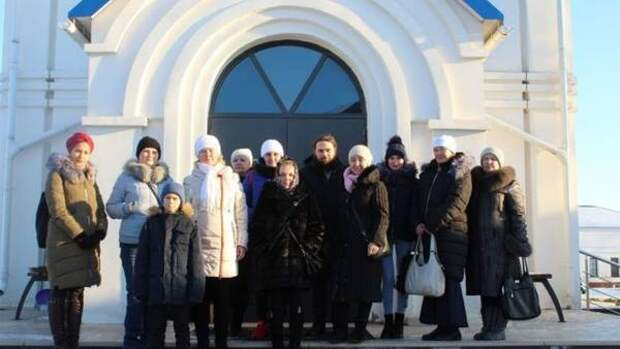 Многодетные мамы Мамадыша совершили экскурсию в женский монастырь