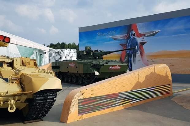 Россия выведет на рынок 50 новых образцов оружия и военной техники