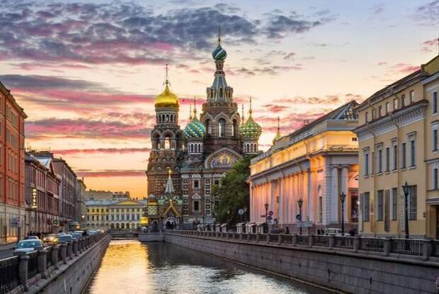 Сегодня для 53 стран открылся въезд в Санкт-Петербург и область по электронной визе