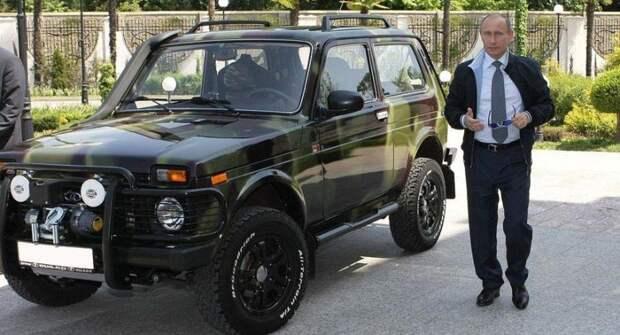 Стало известно, какие автомобили есть в личном гараже Путина