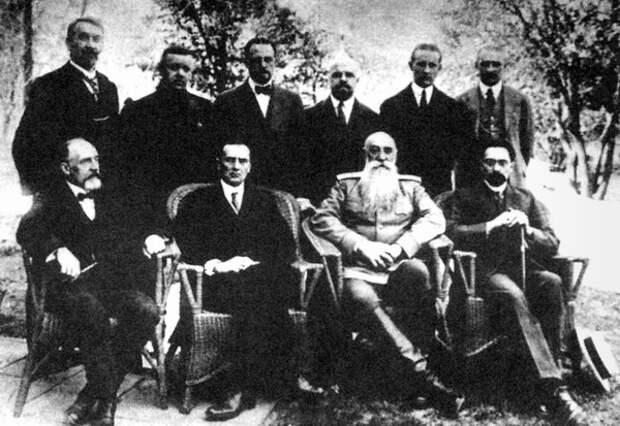 Колчака Гитлер бы разбил, а Бухарин ушёл бы в глухую оборону