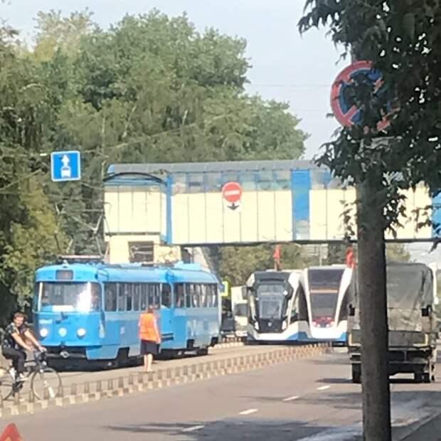 На улице Свободы сломался трамвай №6