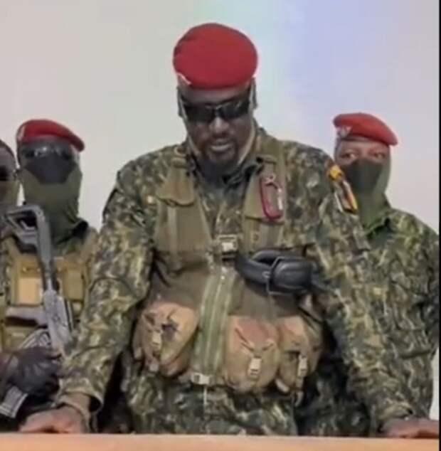 В Гвинее военные объявили об аресте президента
