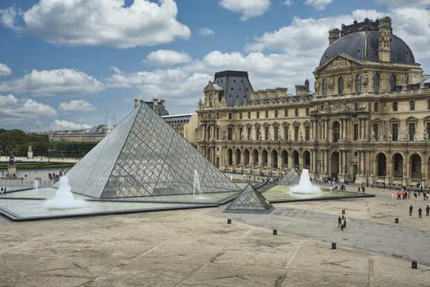 Лувр вновь открыл свои двери после карантина