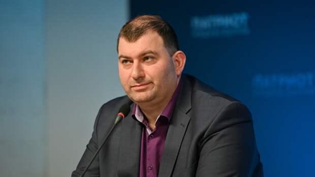 Политолог Гогуадзе призвал развивать социальные сети в России