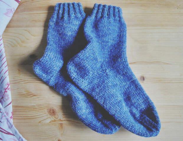 Одежда. Тёплые носки, разогретые в микроволновой печи могут показаться отличной идеей, но не стоит ей поддаваться. Сухая ткань может вспыхнуть, прихватив с собой микроволновку и, возможно, всю квартиру.