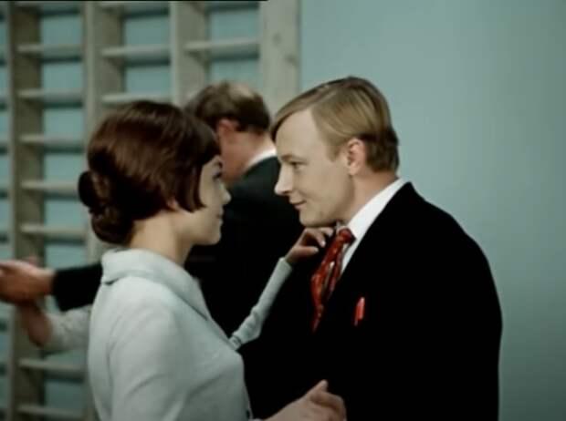 Как должны были закончиться любимые советские фильмы, если бы не цензура. Совсем иначе