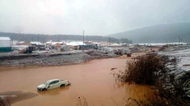 Предварительной причиной разрушения дамбы в Красноярском крае стал износ тела плотины
