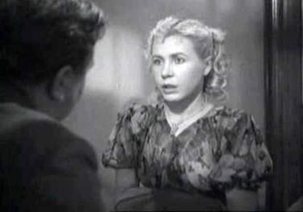 Инна Макарова в фильме *Молодая гвардия*, 1948 | Фото: kino-teatr.ru