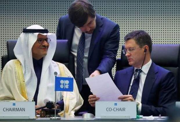 Saudi Arabia's Minister of Energy Prince Abdulaziz bin Salman Al-Saud and Russia's Energy Minister Alexander Novak are seen at the beginning of an OPEC and NON-OPEC meeting in Vienna, Austria December 6, 2019. REUTERS/Leonhard Foeger