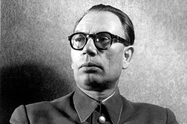 Как Сталин хотел спасти генерала Власова от немецкого плена
